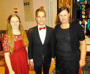 Konsertens huvudpersoner Lina Sundqvist, Jonathan Wåhlstedt och Maj Inger Forsberg. Foto: Kjell Larsson.