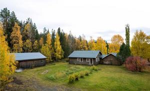 I Ytterån ligger denna  villa som har timrad fasad. Foto: Mikael Frisk.