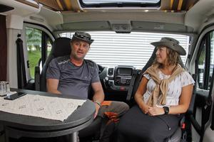 """Utrymmena räcker till i """"plåtisen"""", räknar Bengt och Tina med. Och det blir lättare att köra på mindre vägar."""
