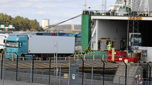 Verksamheten i hamnen i Nynäshamn påverkas inte alls av att Stockholms Hamnar ska avveckla sitt dotterbolag Nynäshamns Hamn AB.