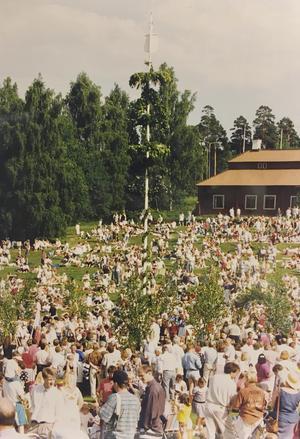 Midsommarfirande på Vallby 1992. Foto: Sarko Amin/VLT:s arkiv