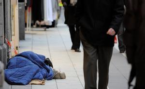 Riskgrupper uppmanas att stanna hemma för att undvika att bli smittade. Samtidigt vet vi att cirka 33 000 personer i Sverige är hemlösa. Många papperslösa har gått under jord och lever under svåra förhållanden, skriver Sveriges kristna råd och undrar: