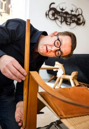 Har möbeln rätt proportioner? Ofta upptäcker man kopian först när man ställer den intill den äkta varan.