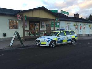 Personal knivhotades när Tempo i Enviken rånades i början av november.