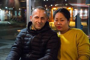 Ghassan Alkhaled, 44, och Yan Dong, 36, bor i centrala Avesta med sina barn sedan fem år tillbaka.