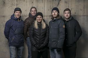 Andreas Olsen, Hans Andersson, Sanna Svanebo, Niclas Åkerström och Fredrik Sjölund är reportrar på sportredaktionen.
