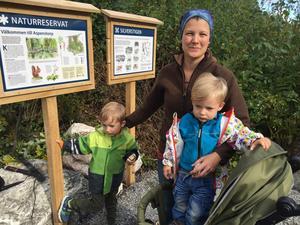 Salas nya kommunekolog, Vittingebon Anna Winnersjö, hade kommit till invigningen för att se vad hennes företrädare Kjell Eklund kämpat för i många år. Tillsammans med barnen Oskar och Per-Axel skulle hon också titta på ekorrar i naturreservatet.