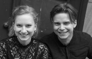 Kristina Winiarsky, cello och Pontus Carron, piano uppträder på Kulturhuset i Ytterjärna. Foto: Mark Oliver