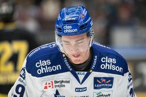 LIF-forwarden Tobias Forsberg var kritisk efter förlusten mot Oskarshamn. Foto: Daniel Eriksson/Bildbyrån