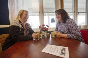 Agneta Bedoire och Annica Persson har åkt från Hille respektive Brynäs för att besöka mötesplatsen. De brukar komma en eller två gånger i veckan.