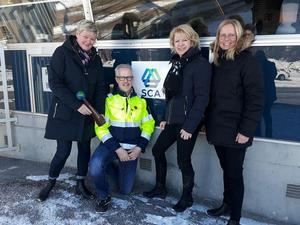 Bild från vänster: Mia Berglund – HR-chef, Hans-Göran Sjödin – Arbetsplatsens huvudskyddsombud, Kristina Enander – Fabrikschef ,Maria Edin – HR-partner