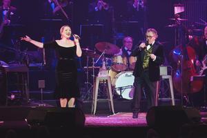 I julas sjöng Jessica Berge med Tommy Körberg på Göta Lejon i Stockholm. Foto: Pressbild/Simeon Hagström