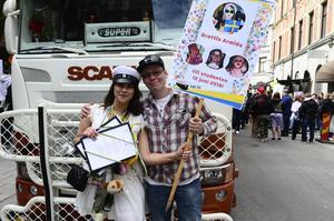 Armida Larsson firade studenten tillsammans med brorsan Daniel Sundman.