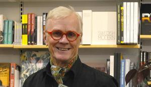 Bokhandlaren Lennart Bergström blev mottagare av Sundsvalls Gilles kulturutmärkelse för 2018. Bild. Sundsvalls Gille
