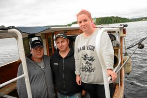 Nya befälhavare. I juni tog Kim Lindkvist, Fredrik Andersson och Sofie Molitor fartygsbefälsexamen klass VIII. I sommar kommer de att köra M/S Råsvalen.