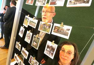 Författaren Staffan Ekegren och berättaren Maria Sedell har utforskat länets landsbygd med hjälp av anslagstavlor. Det har lett till möten som resulterat i utställningen