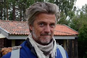 Jakob Stadell är ny som Lustigs Per i Skinnarspelet.