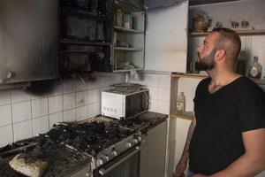 Det var här i köket som Jony Abdulmasih tömde sin brandsläckare.