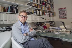 Journalisten Fredrik Virtanen, som skrivit boken