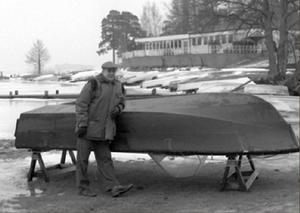 Vinterbilden 1995. Årets modell: P-G Barkelius. Medeltemperatur: -0,2. Nederbörd 102,7. Foto: Janne Danielsson.