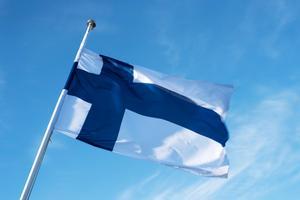 Den blåvita finska flaggan.