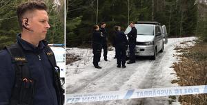 Kriminaltekniker Nils Myhr bekräftar att man hittat mänskliga rester i skogen.