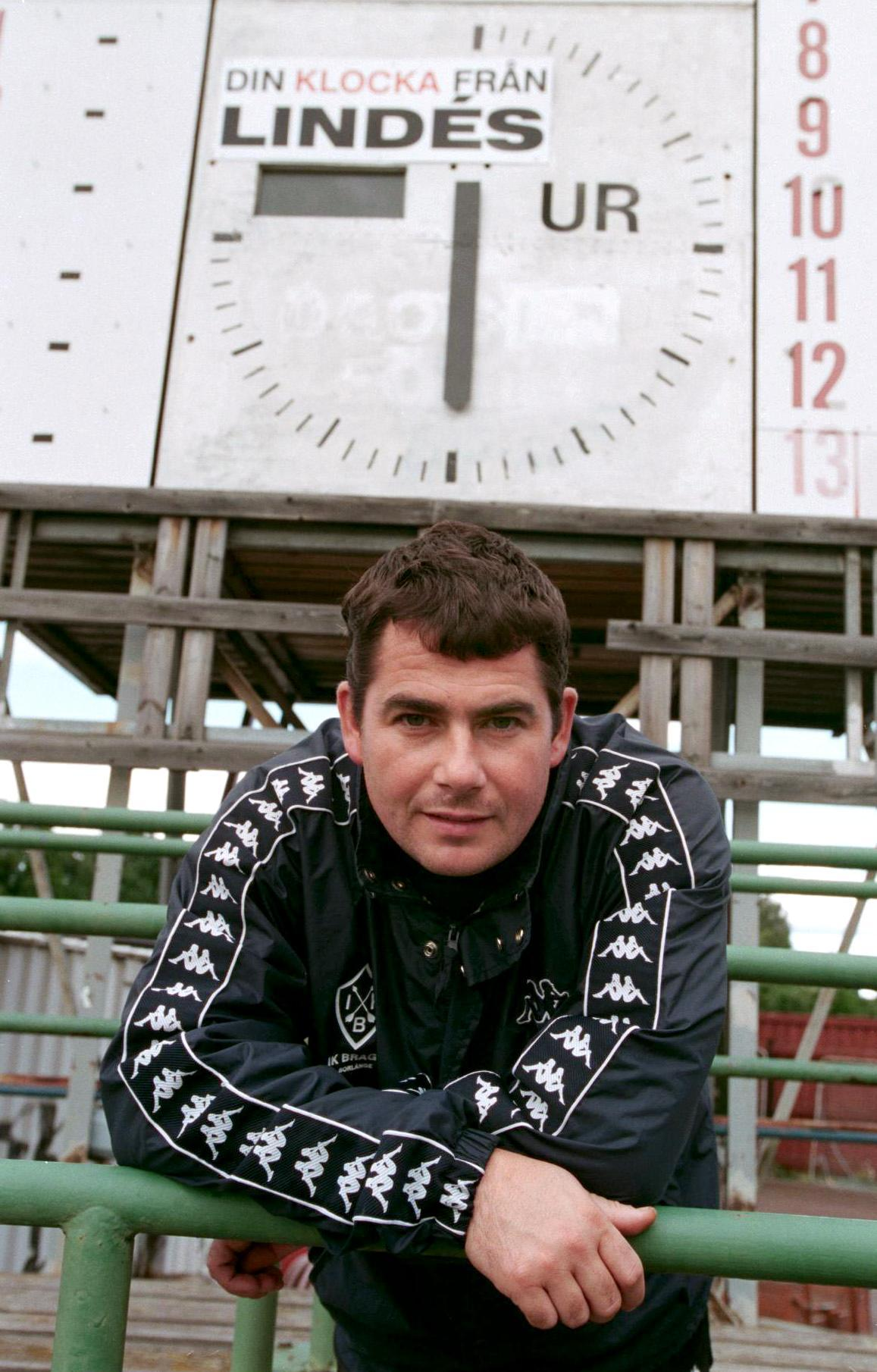 Simon Hunt på plats på Domnarvsvallen 1998.