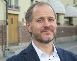 Regionrådet Magnus Svensson, C, ser inte skattehöjning som en lösning på Region Gävleborgs ekonomiska problem.