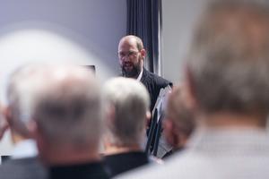 Jan Kroppegård, Hudiksvalls kommun, menar att tidplanen än så länge håller och att de första byggnationerna snart kan vara igång.