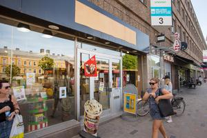 Ägaren till Sweeet, Sören Ahlström, har aviserat att han ska sälja butiken.