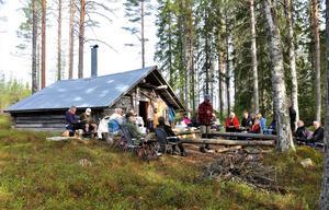 Nyligen arrangerade Öjeborna en gökotta vid Sleslåttskojan.