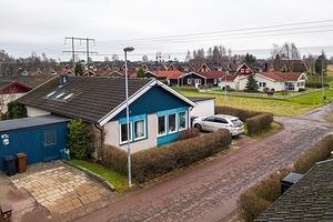 Kedjehus med öppna ytor. Oändliga möjligheter att sätta sin egen prägel på boendet. Foto: Joha Granath/SkandiaMäklarna