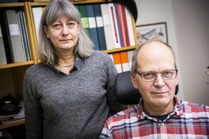 Arbetsförmedlingen läggs ner på fem ställen i länet: I Hammarstrand får Sverker Björnhagen och Carina Näslund lämna sina jobb. På måndag 1 december låser de dörren och tar ned skylten.