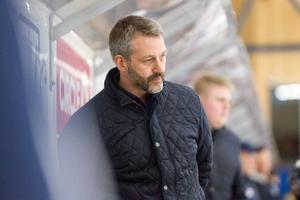 Jonas Dufåker var besviken på lagets agerande i tredje perioden när man tappade matchen.