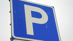 Vi ser ett behov av att samordna parkeringssituationen mellan olika verksamheter och aktörer, skriver Bodil Hansson (S).