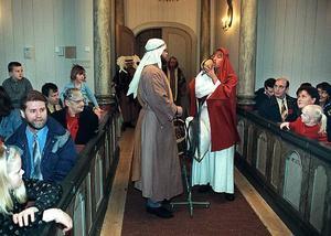 Kyrkan bjuder på julspel.  Foto: Jan Andersson