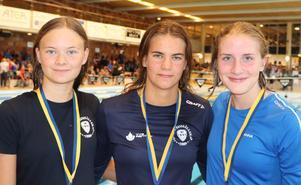 Hanna Stolt, Helmi Swanson och Anna Jönsson. Foto: Susanna Källquist
