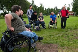 Johan Wallberg, Fredrik Lindström, Christian Hedberg, Krister Hummer och Stefan Olsson ingick i testpatrullen när första handigolfen spelades på Dalsjö golfbana.