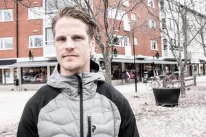 Adam Masuhr har ett nytt treårskontrakt med Mora IK som går ut våren 2021.