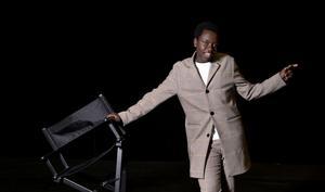 Det var kärlekstema i den senaste fredagsfinalen. Tusse Chiza tillägnade den andra låten sina fans.