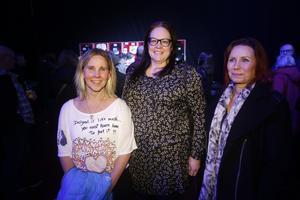 Av vännerna Veronica Ohde, Eva Persson och Jeanette Lindström var Veronica den som var klart mest laddad inför konserten, uppgav vännerna. De hade rest från Bollnäs och Sandviken för att se Lars Winnerbäck.