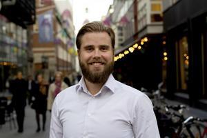 Sundsvallsbördige Carl Enbom ligger bakom en ny tjänst som bevakar kundernas näthandel.