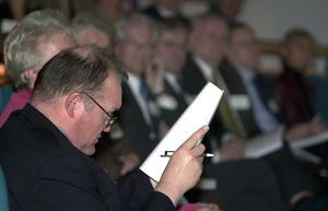 Även före detta statsminister Göran Persson har ibland  lite svårt att läsa. Foto: Janerik Henriksson