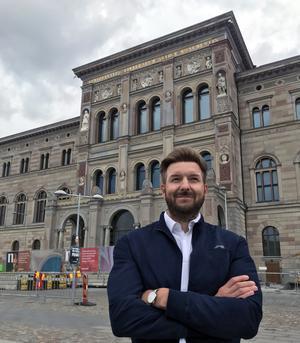 Erik Järmens ser fram emot att få jobba med utställningarna i nyrenoverade Nationalmuseet i Stockholm. Foto: