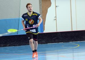 Axel Berglund är en av tre A-lagsspelare från Falu BS som är med och spelar i Jalas Floorball Cup.