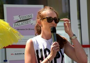 Marie Johansson Flykt, ansvarig utgivare för Värnamo Nyheter invigningstalade.