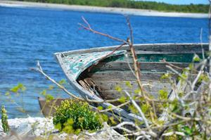 Man undrar hur många fisketurer den här båten har varit med om.Olika ägare, olika färger, säkert ett par grundstötningar också.