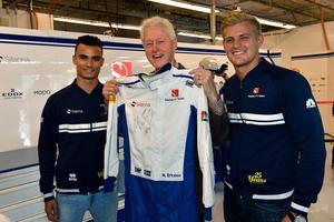 Bill Clinton la beslag på Marcus Ericssons raceoverall efter framgången i USA (
