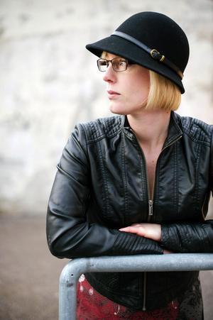 Anna Jakobsson Lund fick Kulturrådets litteraturstöd för sin bok. Det ges böcker som anses så kvalitativa att de behöver mer spridning än vad marknaden kan ge dem. Bild: Petra Berggren