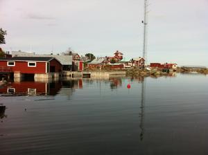 Tobias Lindqvist vill i sitt förslag att båten som hämtar sopor från vandrarhemmet i Rönnskär ska kunna användas av privatpersoner också. Foto: Privat/Tobias Lindqvist